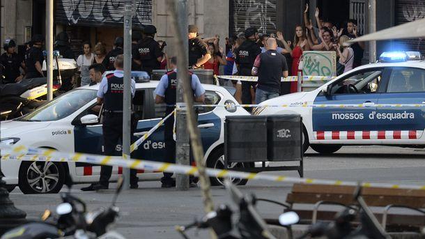 Погибли 13 человек— Теракт вБарселоне