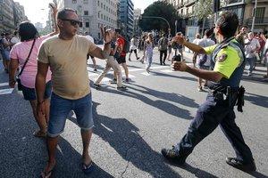 Неожиданный поворот: подозреваемый в теракте в Барселоне сам пришел в полицию