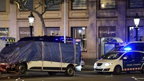 Человек, наехавший наполисменов вБарселоне, был зарезан неведомым
