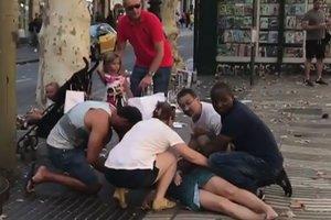 Опознаны девять из 14 погибших в результате терактов в Испании
