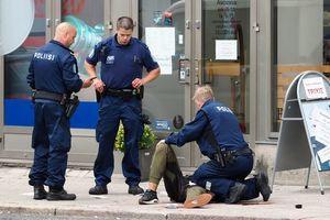 В Финляндии задержали еще четырех подозреваемых в деле с резней на улице