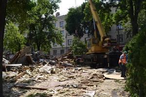 На Контрактовой площади в Киеве снесли еще одно кафе
