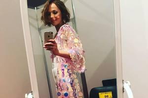 38-летняя Альбина Джанабаева опубликовала редкое фото в бикини