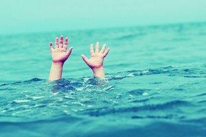 В Харьковской области малыш едва не погиб в пруду