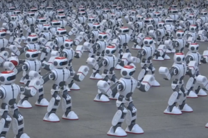 Будущее пришло: армия роботов установила новый мировой рекорд (видео)