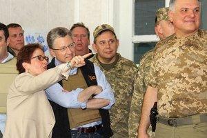 Американские СМИ предупредили Волкера по поводу Суркова: он не просто дипломат