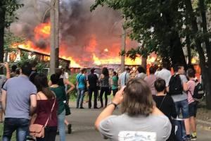 В Киеве на Шулявке начался крупный пожар