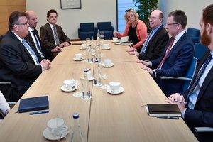 Линкявичус и Волкер обсудили российскую агрессию против Украины