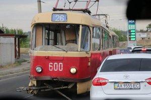 В Харькове маршрутка врезалась в трамвай