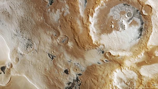 На Марсе идет снег. Фото: wanderingspace.net