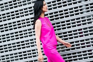 Маша Ефросинина надела блузку за 500 евро, а Татьяна Литвинова показала стройные ножки