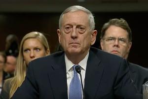 """Мэттис: """"США будут и дальше давить на Россию"""""""