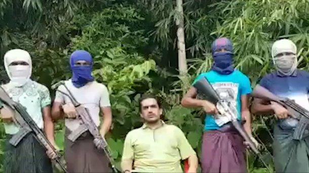 Тысяча боевиков напала навоенную базу вМьянме