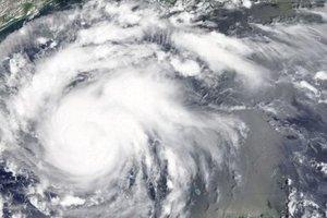 """Ураган """"Харви"""" усилился до четвертой категории"""