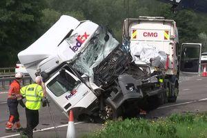 Кровавое ДТП в Британии: погибли восемь человек (видео)