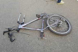В Киеве водитель BMW с литовскими номерами сбил насмерть велосипедиста