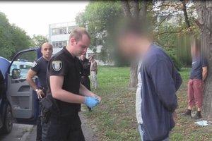 В Киеве трое мужчин похитили человека