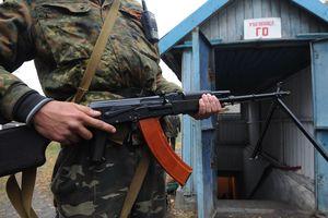 На Донбассе боевики устроили разборки со стрельбой