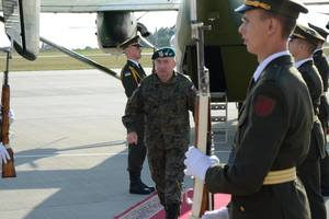 В Украину прибыла группа польских генералов и офицеров во главе с начальником генштаба