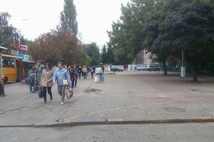 В Киеве на КПИ окончательно расчистили площадь от остатков киосков