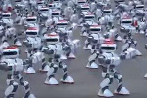 Видео: в Китае 1069 роботов синхронно исполнили сложный танец