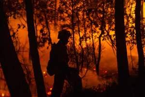 Зажженная на могиле свеча вызвала трехдневный пожар в Хорватии