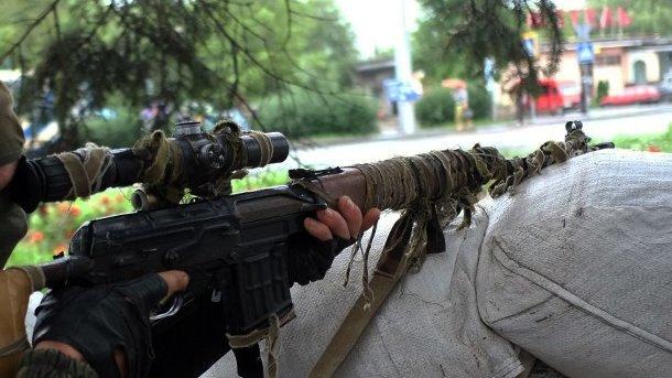 Порошенко купил за собственный счет 100 снайперских комплексов для ВСУ