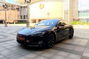 Лукашенко протестировал электрокар Tesla и похвалил американцев