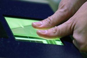 Биометрический контроль для россиян: указ вступил в силу