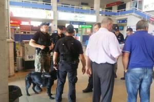 """В Одессе """"заминировали"""" аэропорт, проводится эвакуация пассажиров"""