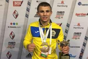 Украинец Хижняк признан лучшим боксером чемпионата мира