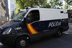 В Мадриде автомобиль въехал в магазин, погиб ребенок