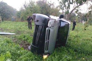 В Ровенской области пьяный водитель разнес автобусную остановку