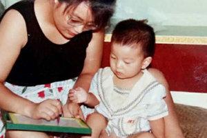 Невероятные снимки: каким красавцем вырос умственно отсталый сын китаянки