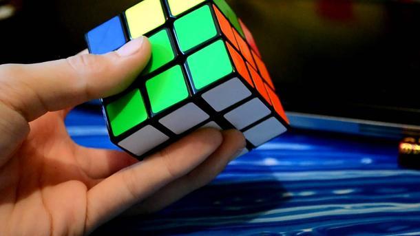 Amerikiečių paauglys pasiekė naują pasaulio rekordą, sudėdamas Rubiko kubą