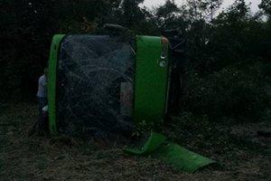 В Николаевской области перевернулся автобус: девять пострадавших