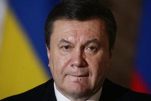Дело о госизмене Януковича: заседание суда опять перенесли