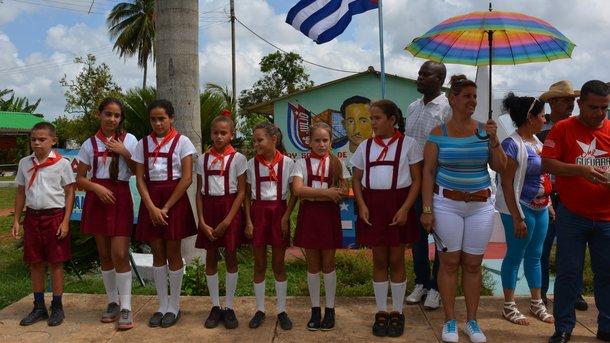 Будущее Кубы. С шести лет школьники вступают в ряды организации имени Хосе Марти – в местную пионерию. Фото: автора статьи