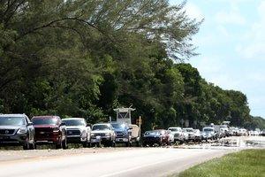 """Несколько миллионов жителей покинули штат Флорида из-за надвигающегося урагана """"Ирма"""""""