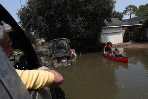"""Число жертв урагана """"Харви"""" в Техасе достигло 70 человек"""