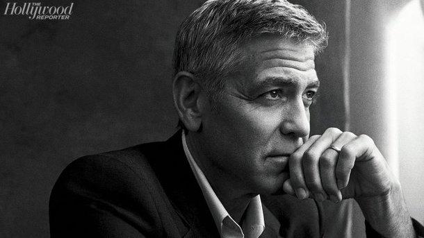 Джордж Клуни приютил усебя вдоме иракского беженца, пережившего нападениеИГ