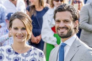 Принц Швеции Карл Филипп и принцесса София впервые показали новорожденного сына