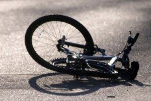 На трассе Киев-Чоп  грузовик насмерть сбил подростка