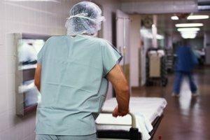 В Черновцах посетители кафе попали в больницу с отравлением