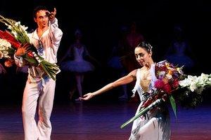 Екатерина Кухар на открытии балетного сезона впечатлила эксклюзивным нарядом