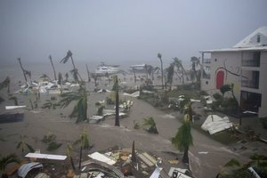 "Жертвами урагана ""Ирма"" стали более 20 человек"