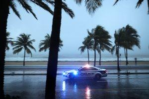 Мощнейший ураган Ирма обрушился на США