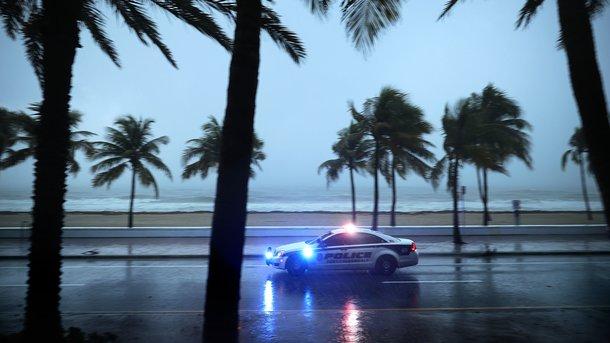 Мощнейший ураган Ирма обрушился на юг Флориды