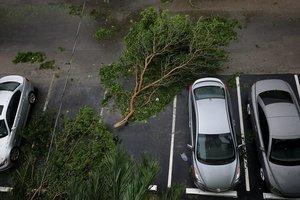 """Ураган """"Ирма"""" ослаб, но все еще опасен"""