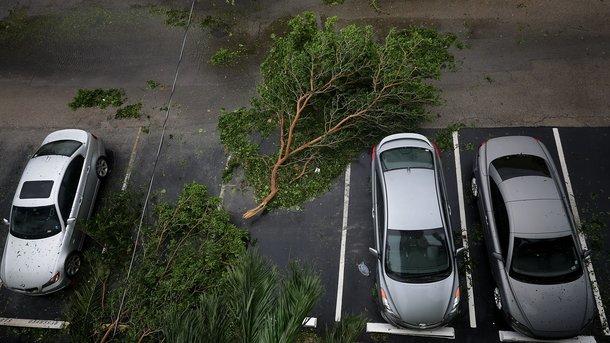Ураган «Ирма» повалил кран вМайами